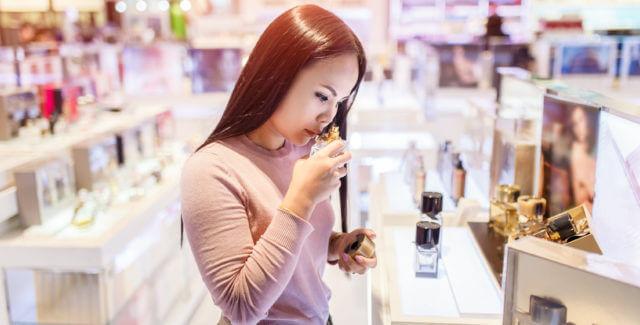 Warum riechen Parfums und Deos bei jedem Menschen anders?